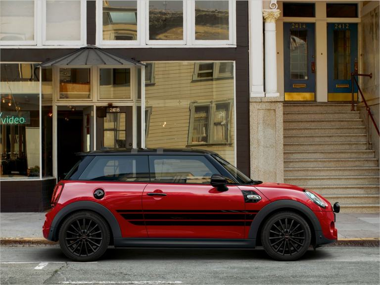 MINI 3-door Hatch – red and black – wheels and tyres